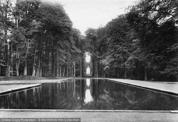Bramham, Park, Pond And Four Faces 1909