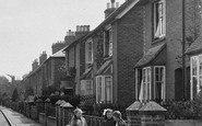 Bramley, Children, Eastwood Road 1921
