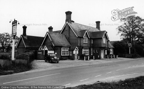 Bramley, The Six Bells c.1960