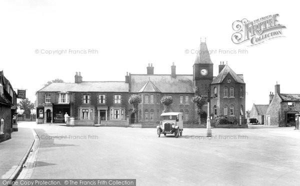 Brandon, Market Place And School 1925