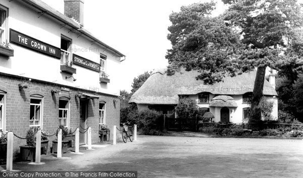 Bransgore, The Crown Inn c.1960