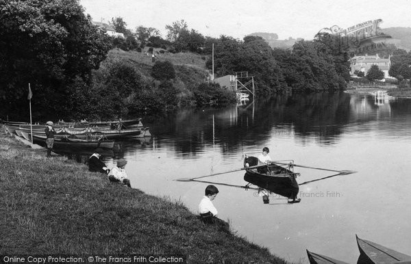 Brecon, Boating, Newton Pool 1910