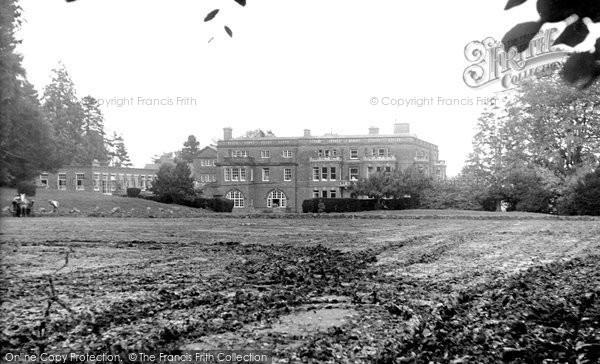 Bredenbury, School c.1955