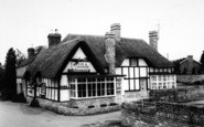 Bredon, Fox And Hounds c.1965