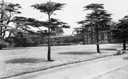 Brentford, Boston Manor Park c.1955