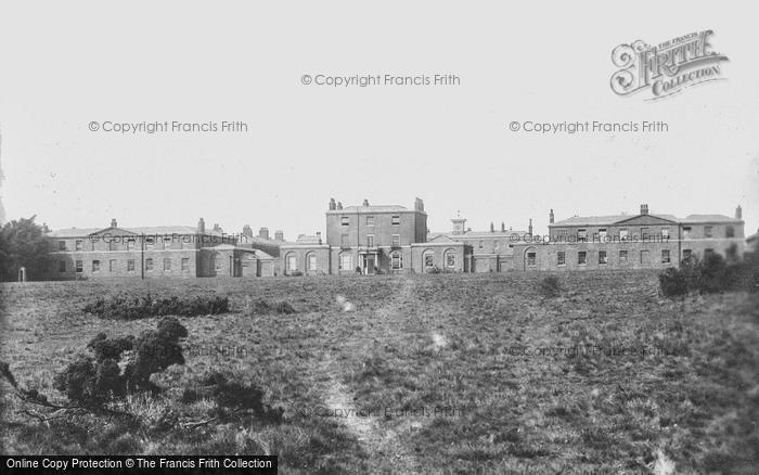 Brentwood, Barracks 1896