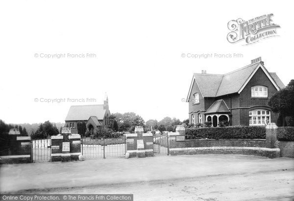 Photo of Brentwood, Cemetery Gates 1906