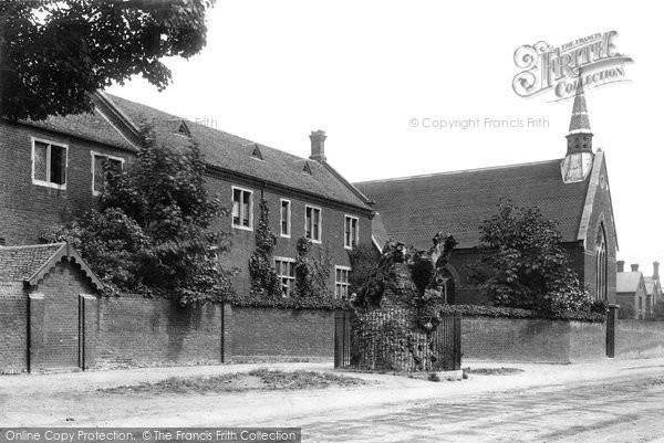 Brentwood, Grammar School And Hunter's Elm 1895