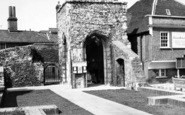 Brentwood, The Chapel c.1965