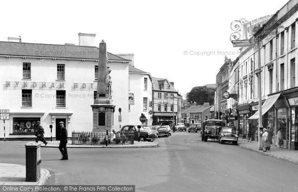Bridgend, Dunraven Place c.1960