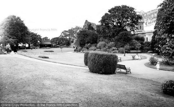 Bridgnorth, Castle Gardens c.1955