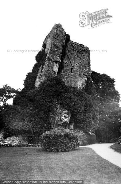 Bridgnorth, The Castle Ruins c.1950