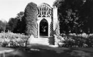 Bridgwater, Blakes Gardens, The Old Arch c.1960