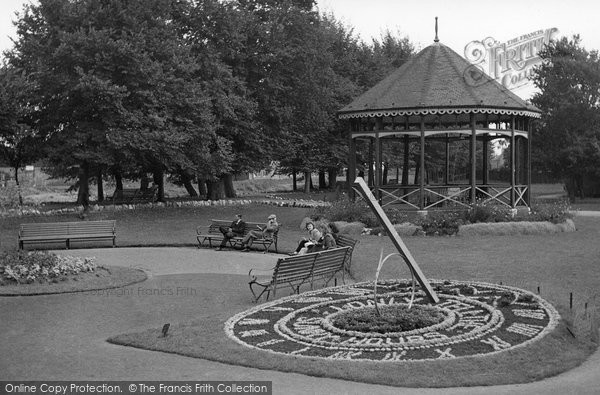 Bridgwater, The Flower Sundial, Blake Gardens c.1955
