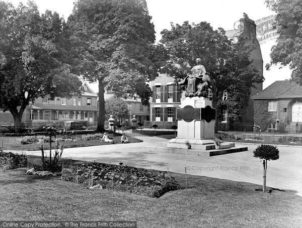 Bridgwater, War Memorial Gardens 1927