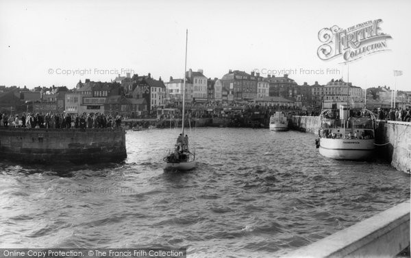 Bridlington, The Harbour c.1960