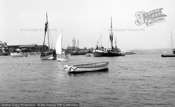 Brightlingsea, The Creek From The Stone At Point Clear c.1955