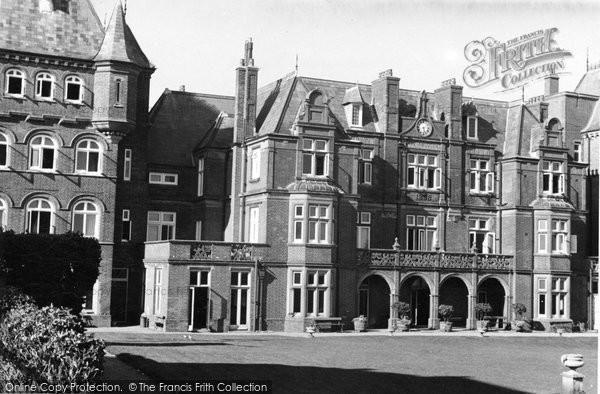 Brighton, The French Convalescent Home c.1950