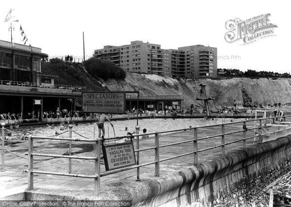 Brighton, The Open Air Baths c.1955
