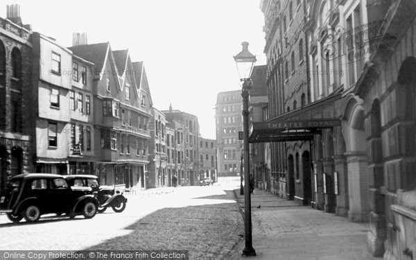 Photo of Bristol, King Street and Theatre Royal c1935
