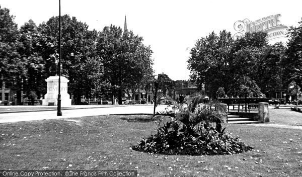 Photo of Bristol, Queen's Square c1950