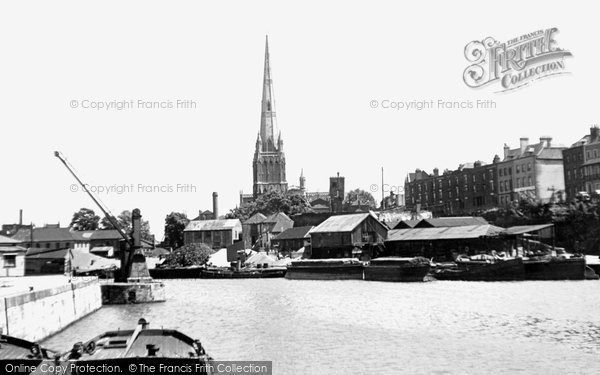 Bristol, St Mary Redcliffe Church c.1950
