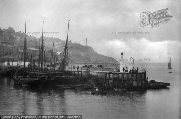 Brixham, Pier Head 1922