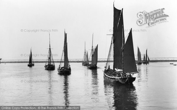 Brixham, Trawlers In The Harbour 1925