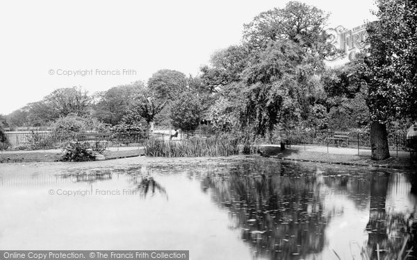 Brixton, Brockwell Park Lake 1899