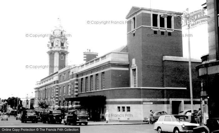 Brixton, Town Hall c.1965