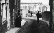 Broadstairs, Lady, York Gate 1887