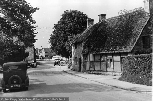 Broadway, Old Cottages c.1955