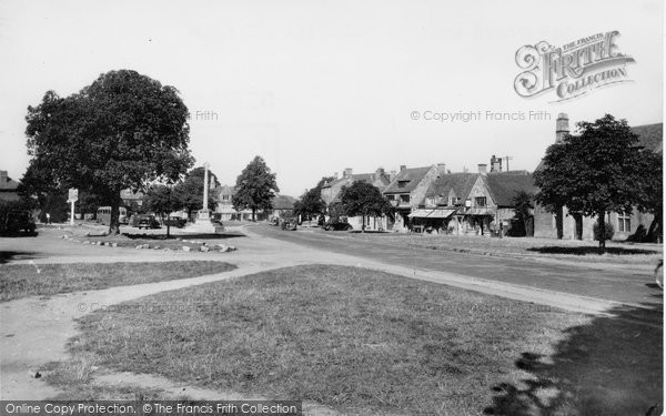 Broadway, The Green And War Memorial c.1955