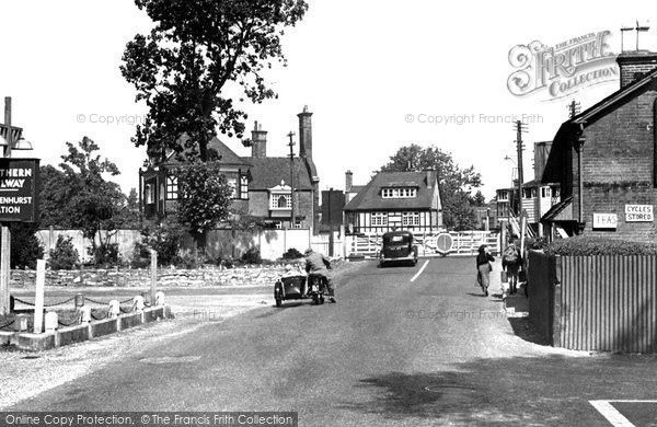 Brockenhurst, The Railway Crossing 1949