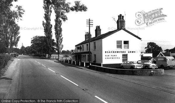 Broken Cross, The Blacksmiths Arms c.1965