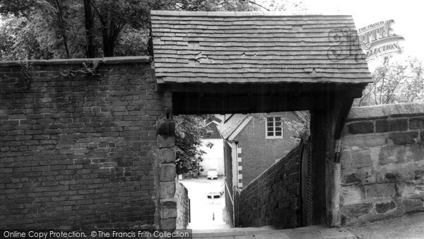 Photo of Bromsgrove, the Old Church Steps c1965