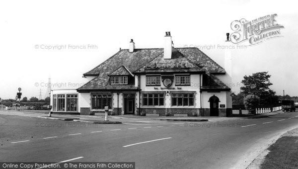 Brotherton, The Fox Inn c.1955