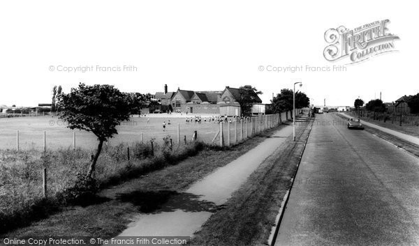 Photo of Brownhills, the School c1965