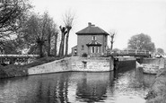 Broxbourne, The Lock And Weir c.1955