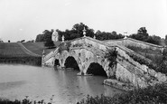 Buckingham, Oxford Bridge, Stowe School 1967