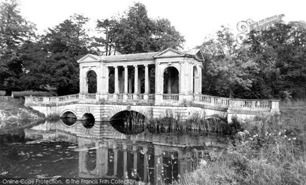 Buckingham, Palladian Bridge Stowe School c.1955