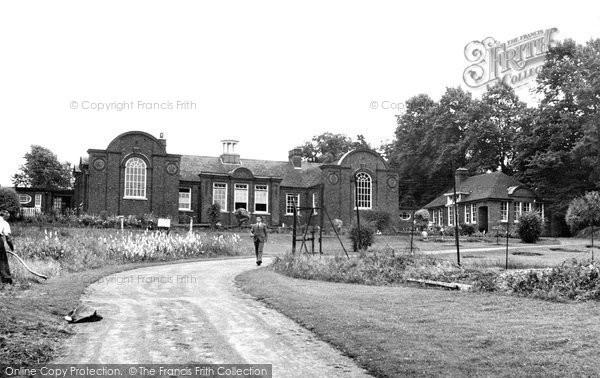 Buckingham, The Royal Latin School, Chandos Road c.1950