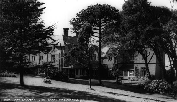 Bude, Efford Down Hotel c.1960