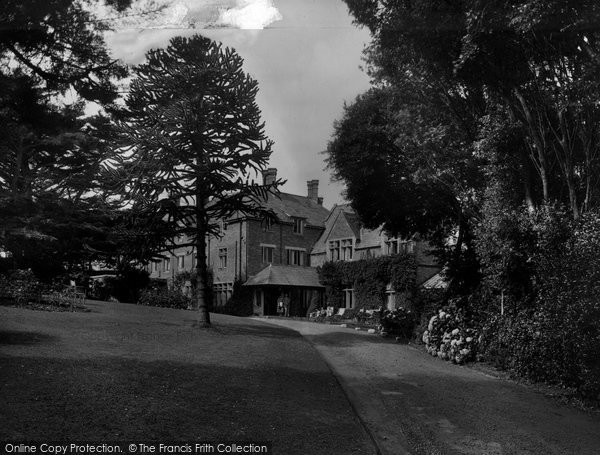 Bude, Efford Down Hotel From The Main Drive 1935