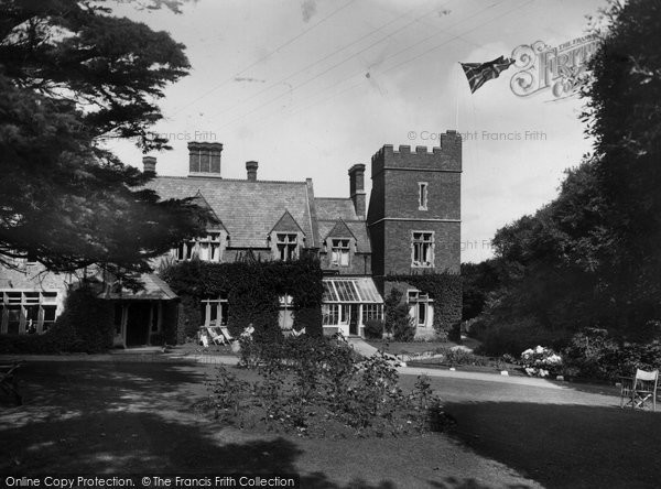 Bude, Efford Down Hotel Garden 1935