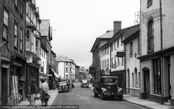 Builth Wells, Broad Street 1950