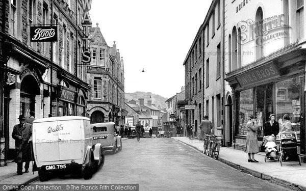 Builth Wells, High Street 1949