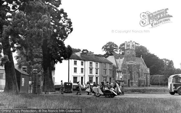 Builth Wells, The Groe Gates 1951