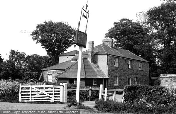 Bulphan, The Harrow Inn c.1955
