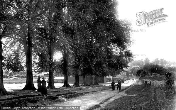 Buntingford, The Causeway 1923